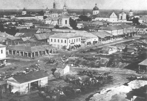 foto-1860-x-godov-rajon-zhitnego-rynka-gde-chast-kanavy-perekryta-no-chast-eshhe-ziyaet Подземная река Глубочица.