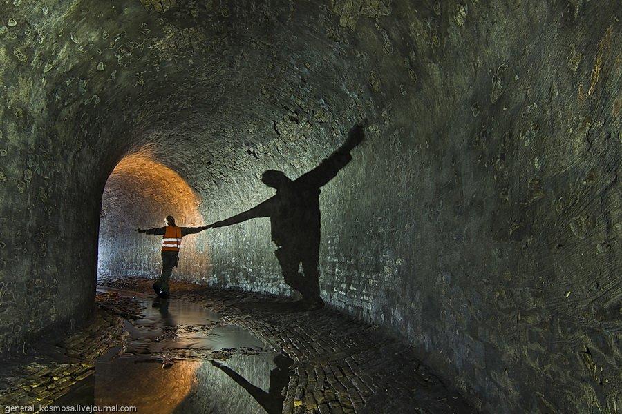 siluet-diggera Река под Крещатиком