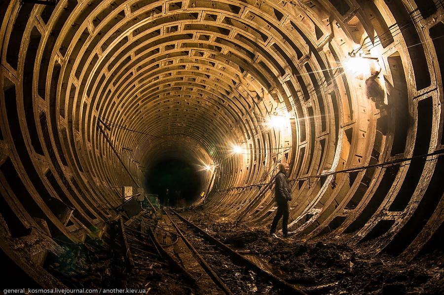 tunnel-diametrom-95-metrov Командный бункер Киевского метрополитена
