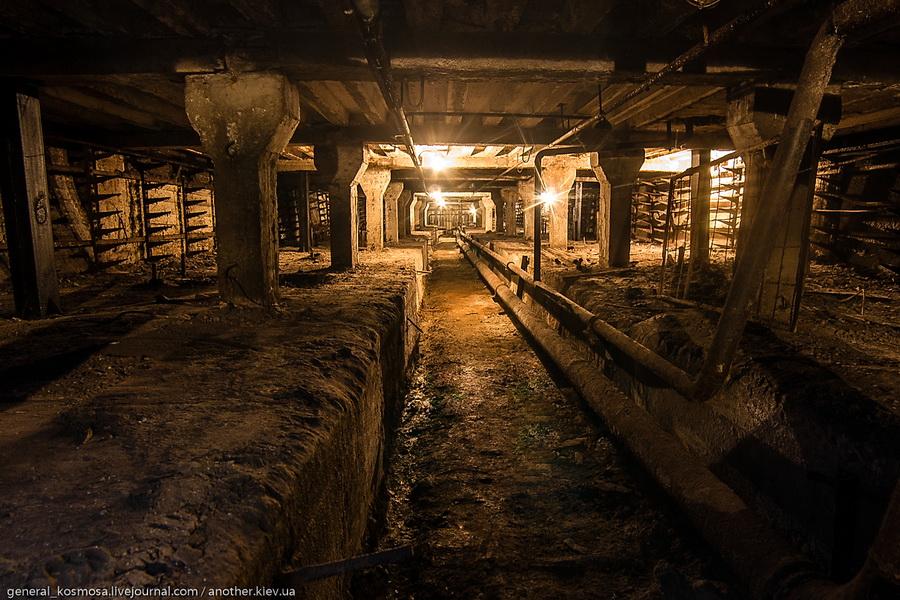 tunnel-ukreplennyj-kolonnami Командный бункер Киевского метрополитена