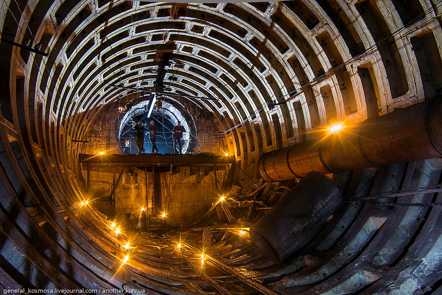 zdes-xodok-vyxodit-v-obekt Командный бункер Киевского метрополитена
