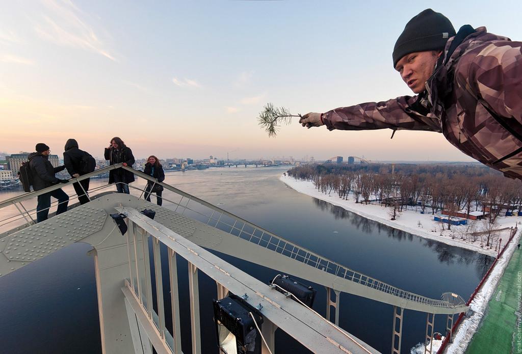 0_a6f9d_aa115937_xxl-jpeg-1024x695 Вершины Киевских мостов