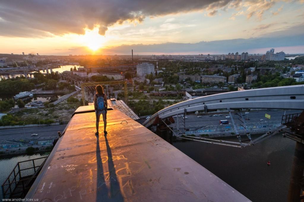 7tg_t3kiwjg-1024x682 Вершины Киевских мостов