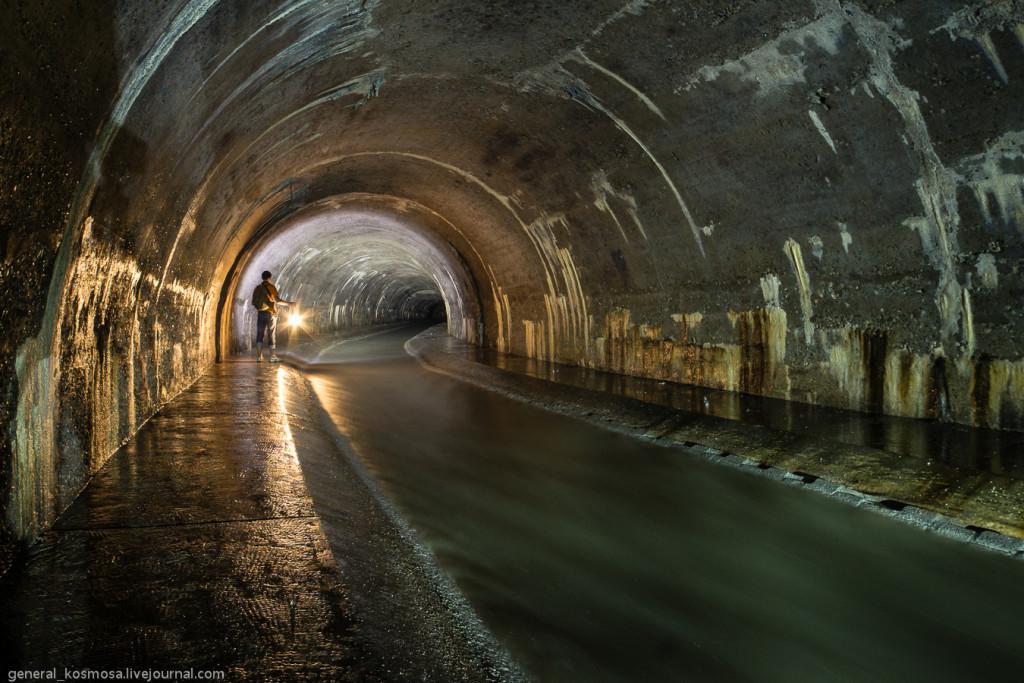 Туннель Полтвы под проспектом Черновола