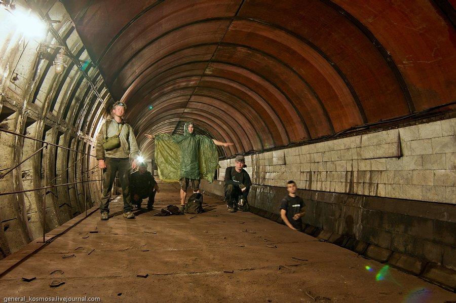 18523599 Внутри заброшенной станции Львовская Брама глазами диггеров и пассажиров