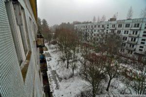 lubech1-abandoned-ghist-city-in-ukraine-4-300x199 В Припять не легально - чернобыльская зона глазами сталкера