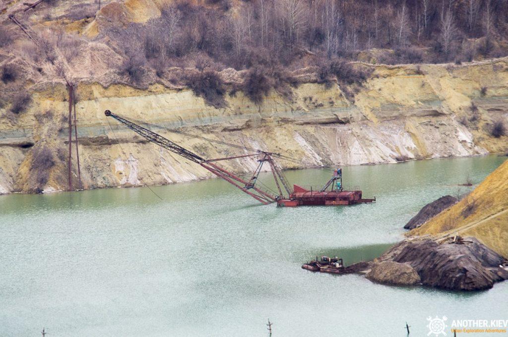 abandoned-mine-diggers-ukraine-6105-min-1024x680 Монстры угольных разрезов: Константиновский и Морозовский карьеры