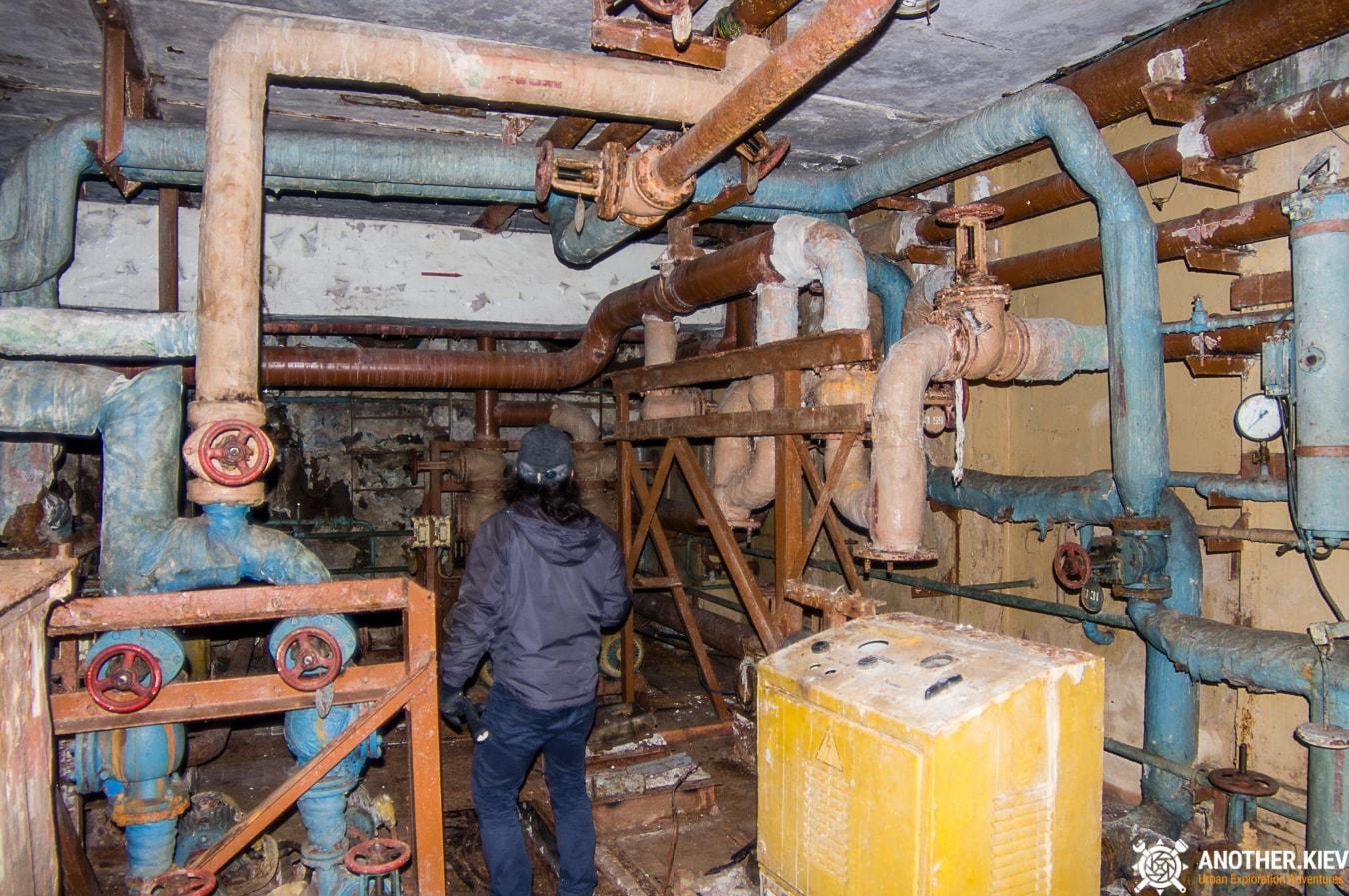 """exploring-nuclear-bunker-duga-35 БУНКЕР ЗГРЛС """"ДУГА-1"""""""