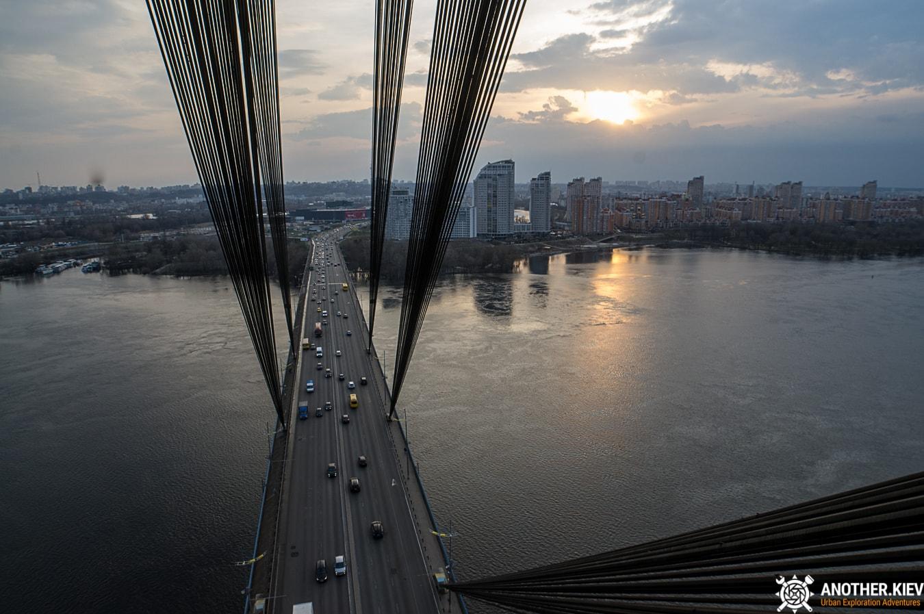 bridge-top-kiev-6628-min Закат с верхушки Северного моста, 119 метров