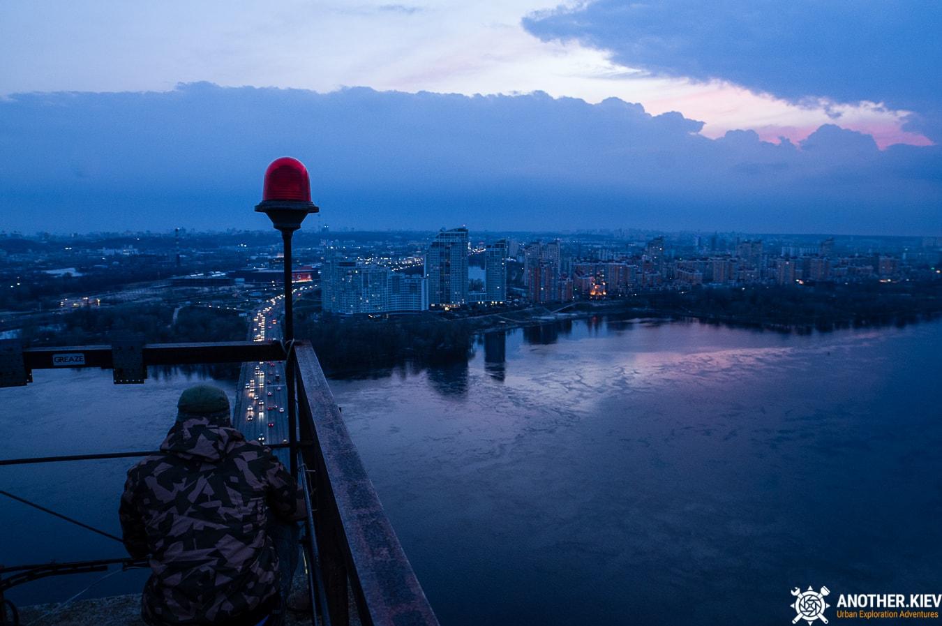 bridge-top-kiev-6687-min Закат с верхушки Северного моста, 119 метров