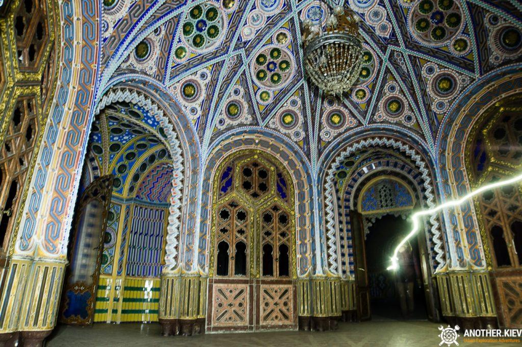 sommerzano-castle-exploration-3304-min-1024x680 Пробрались в невероятный заброшенный замок в Италии