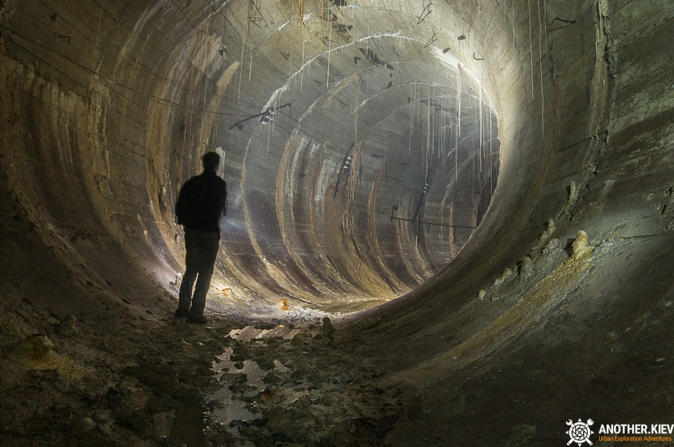 unfinished-abandoned-diesel-power-station-bunker-0458-min Недостроенная и заброшенная дизельная электростанция в киевском метро