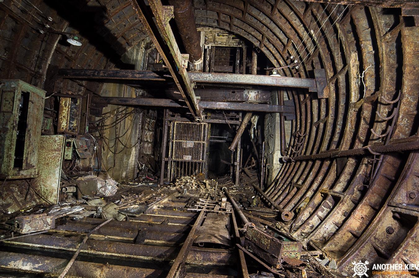 unfinished-abandoned-diesel-power-station-bunker-6830-min Недостроенная и заброшенная дизельная электростанция в киевском метро