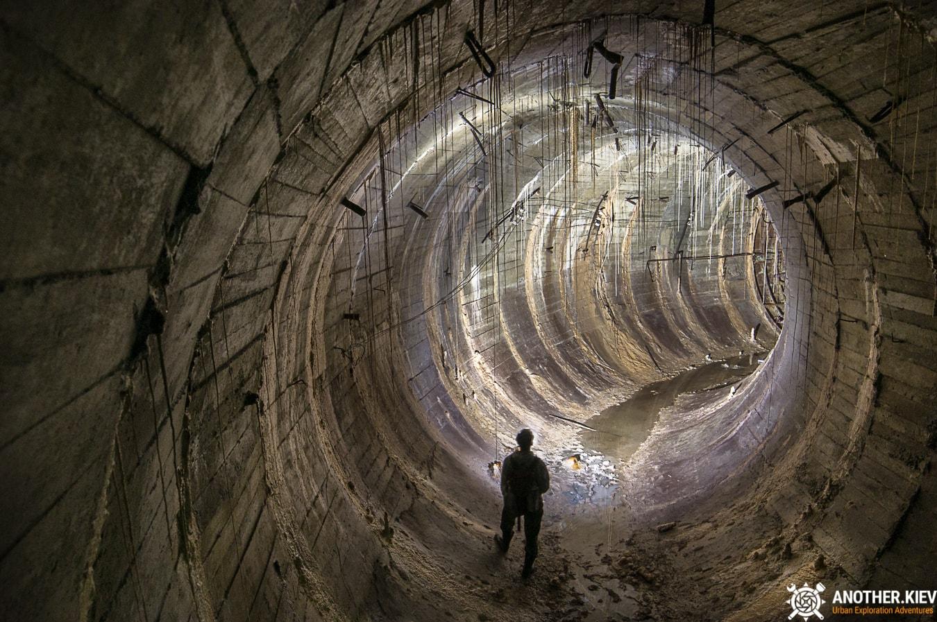 unfinished-abandoned-diesel-power-station-bunker-6854-min Недостроенная и заброшенная дизельная электростанция в киевском метро