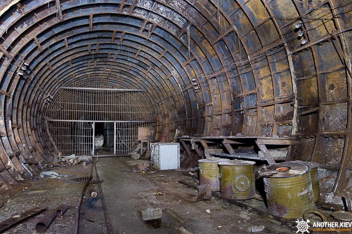 unfinished-abandoned-diesel-power-station-bunker-6880-min Недостроенная и заброшенная дизельная электростанция в киевском метро
