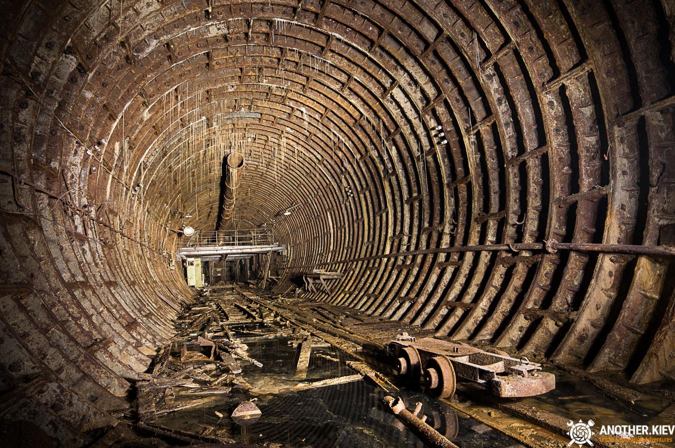 unfinished-abandoned-diesel-power-station-bunker-6884-min Недостроенная и заброшенная дизельная электростанция в киевском метро