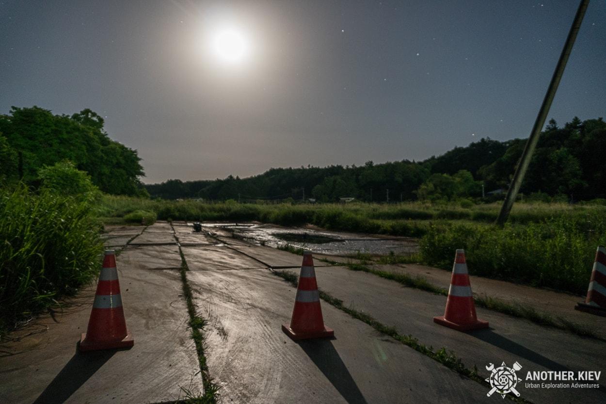 moon-night-in-fukushima Поход в заброшенный город Футаба, зона отчуждения Фукусимы