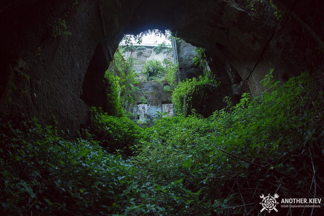 abandoned-mill-sorrento-how-to-get1 Затерянный Мир в недрах городка Сорренто. Италия