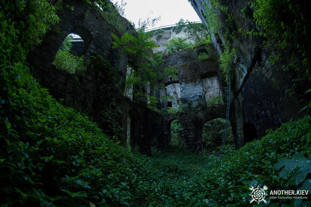 abandoned-mill-sorrento-how-to-get2 Затерянный Мир в недрах городка Сорренто. Италия