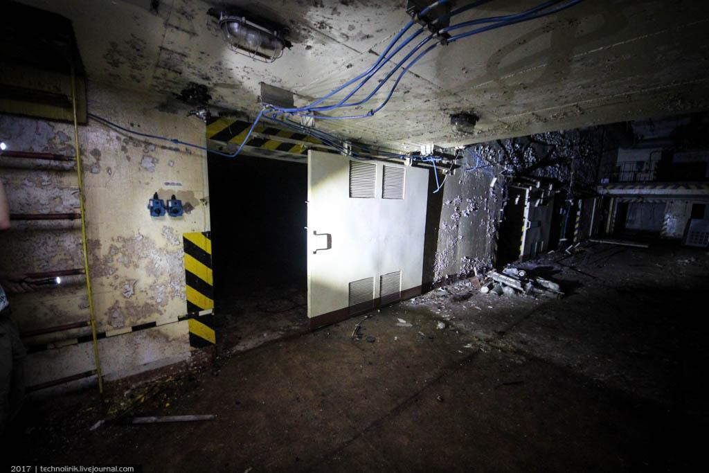 exploring-ussr-nuclear-bunker-germany10 Заброшенный советский ядерный арсенал оставшийся под Берлином