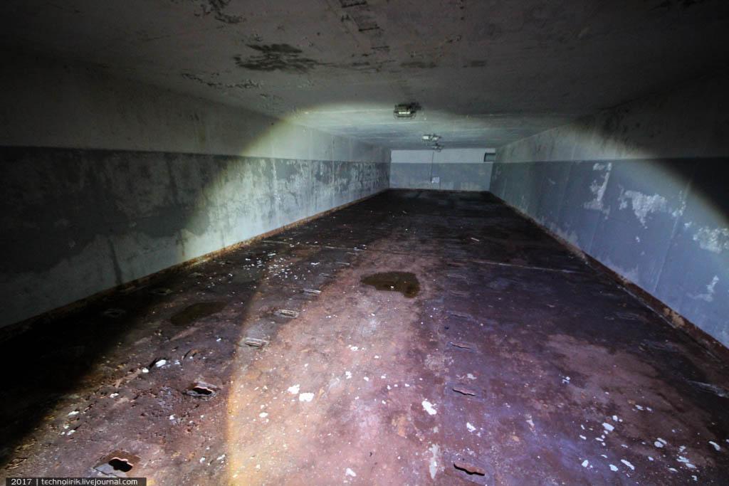 exploring-ussr-nuclear-bunker-germany11 Заброшенный советский ядерный арсенал оставшийся под Берлином