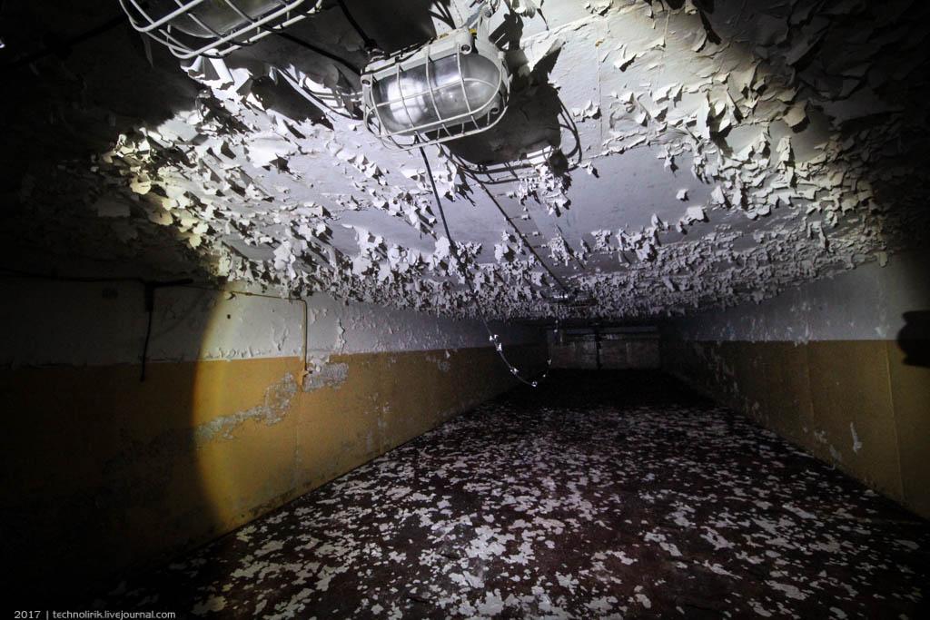 exploring-ussr-nuclear-bunker-germany12 Заброшенный советский ядерный арсенал оставшийся под Берлином