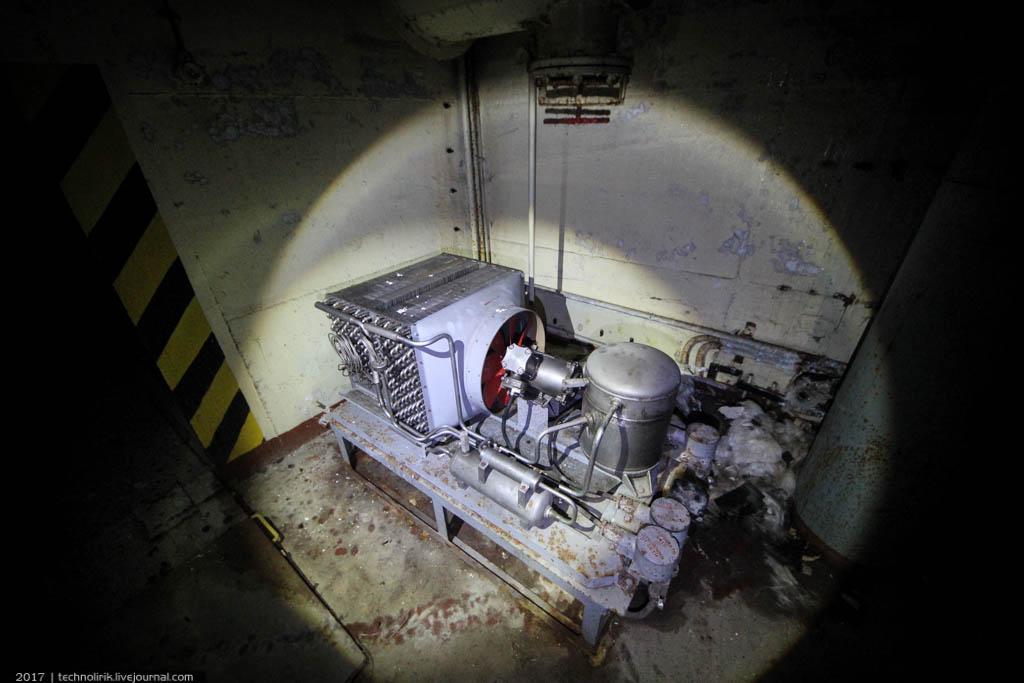 exploring-ussr-nuclear-bunker-germany18 Заброшенный советский ядерный арсенал оставшийся под Берлином