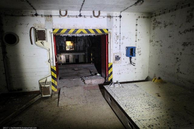 exploring-ussr-nuclear-bunker-germany19 Заброшенный советский ядерный арсенал оставшийся под Берлином