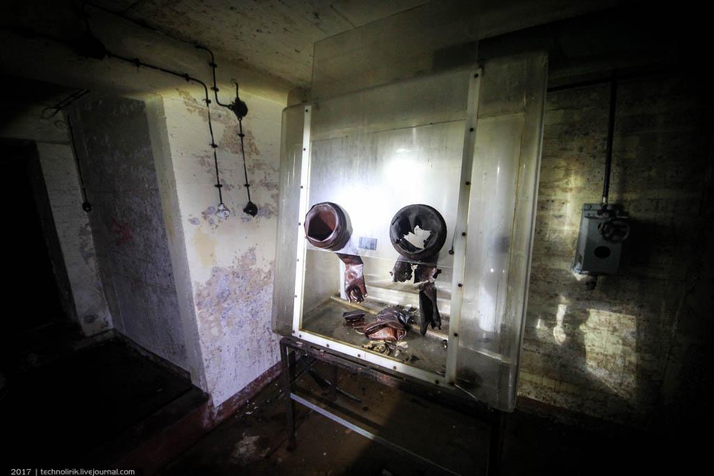 exploring-ussr-nuclear-bunker-germany25 Заброшенный советский ядерный арсенал оставшийся под Берлином