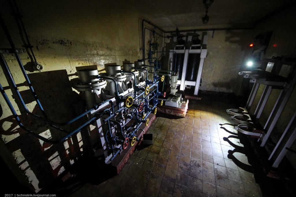 exploring-ussr-nuclear-bunker-germany28 Заброшенный советский ядерный арсенал оставшийся под Берлином