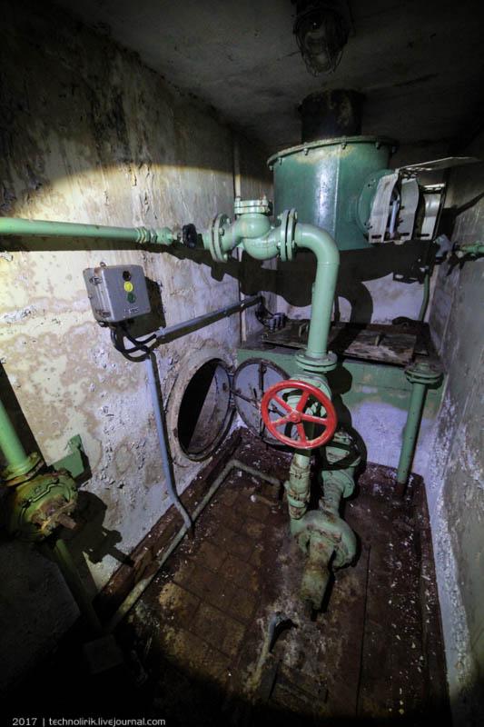 exploring-ussr-nuclear-bunker-germany35 Заброшенный советский ядерный арсенал оставшийся под Берлином