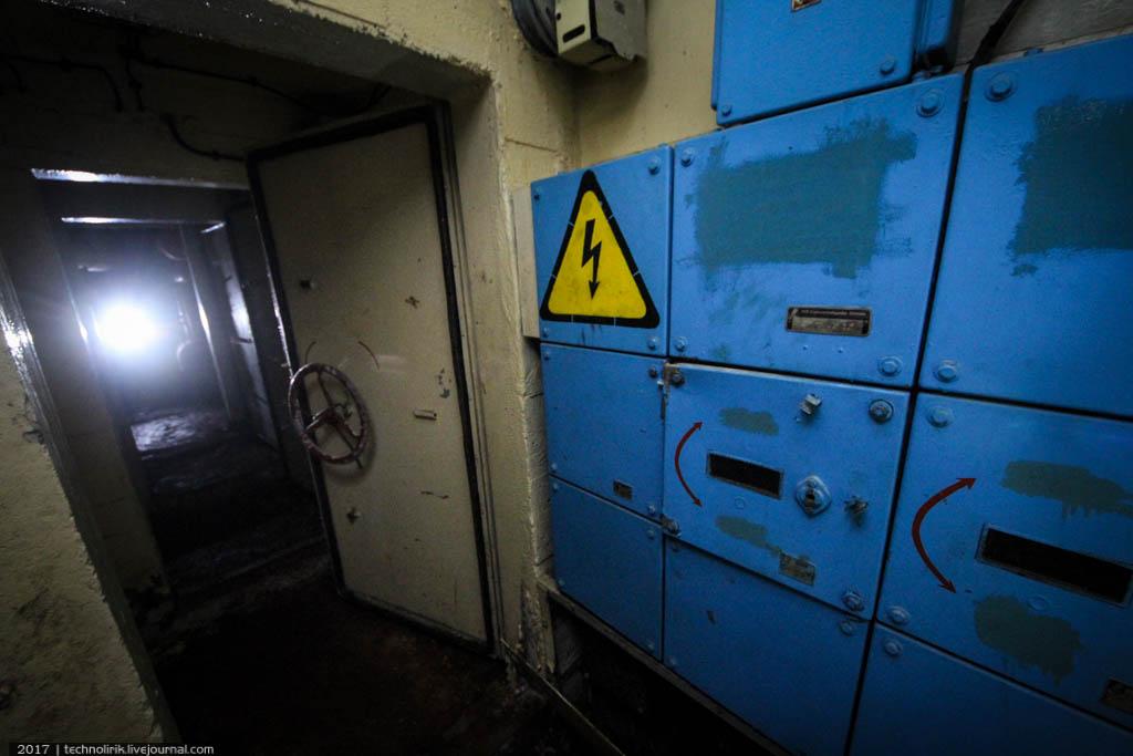 exploring-ussr-nuclear-bunker-germany37 Заброшенный советский ядерный арсенал оставшийся под Берлином