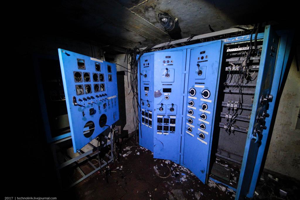 exploring-ussr-nuclear-bunker-germany41 Заброшенный советский ядерный арсенал оставшийся под Берлином