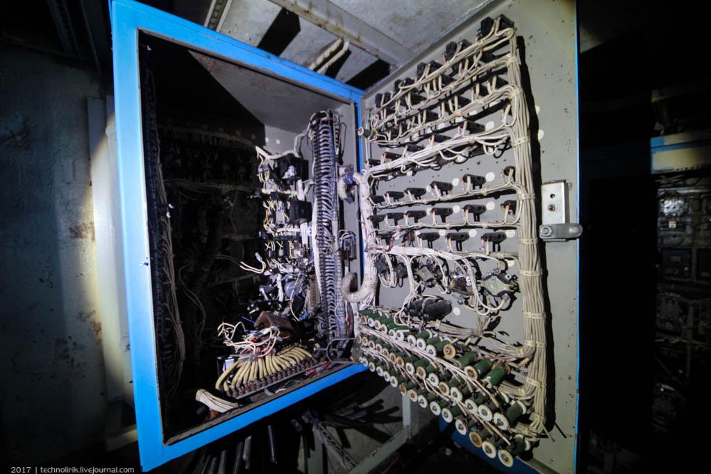 exploring-ussr-nuclear-bunker-germany42 Заброшенный советский ядерный арсенал оставшийся под Берлином