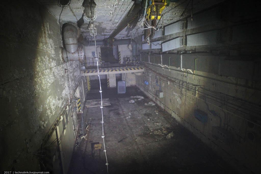 exploring-ussr-nuclear-bunker-germany56 Заброшенный советский ядерный арсенал оставшийся под Берлином