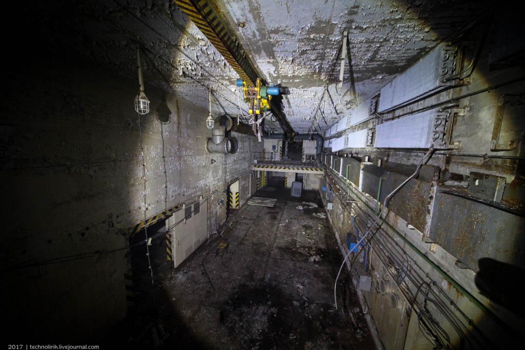 exploring-ussr-nuclear-bunker-germany7 Заброшенный советский ядерный арсенал оставшийся под Берлином