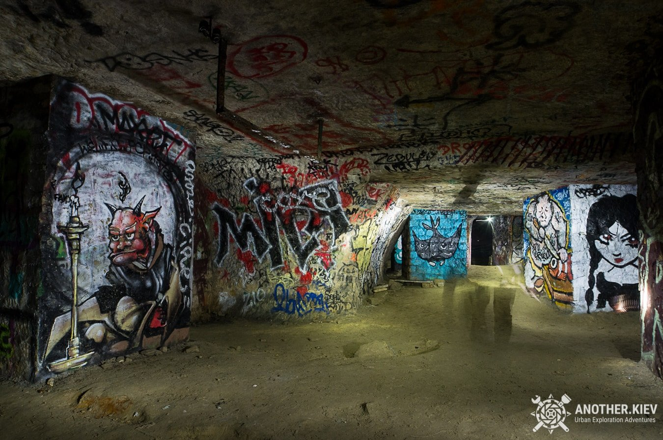paris-catacombs-dark-urbex-tour-exploring-underground-monmartre PARIS CATACOMBS DARK TOUR