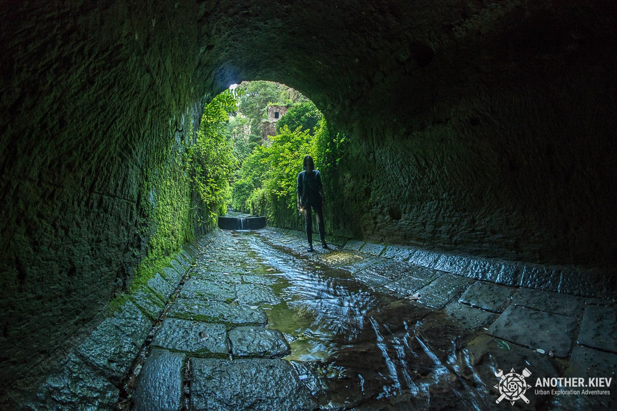 underground-tunnel-sorrento-river2 Затерянный Мир в недрах городка Сорренто. Италия