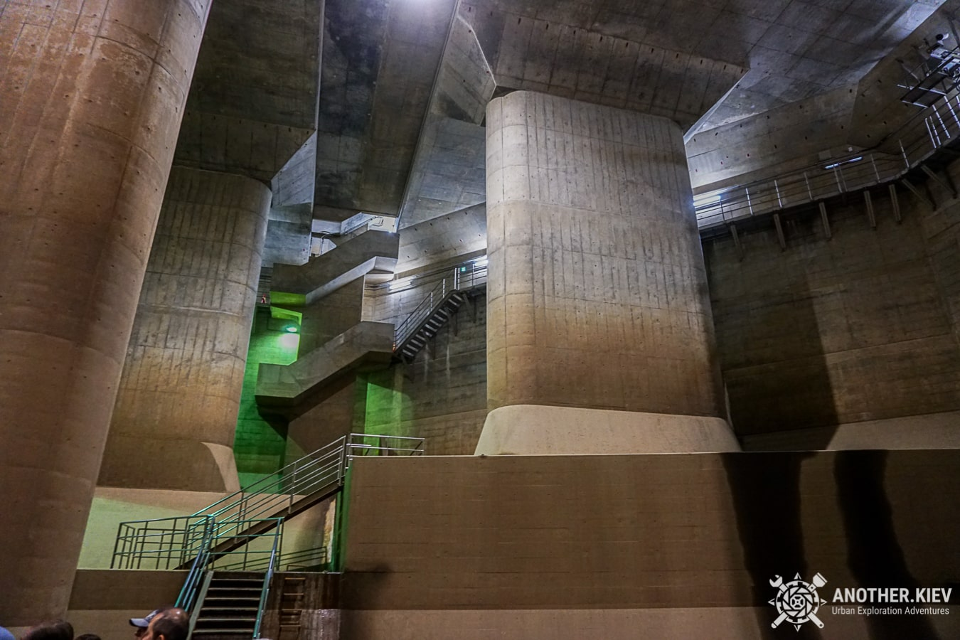 j-cans-urbex-tour-10-min Экскурсия в Токийский противопаводковый коллектор