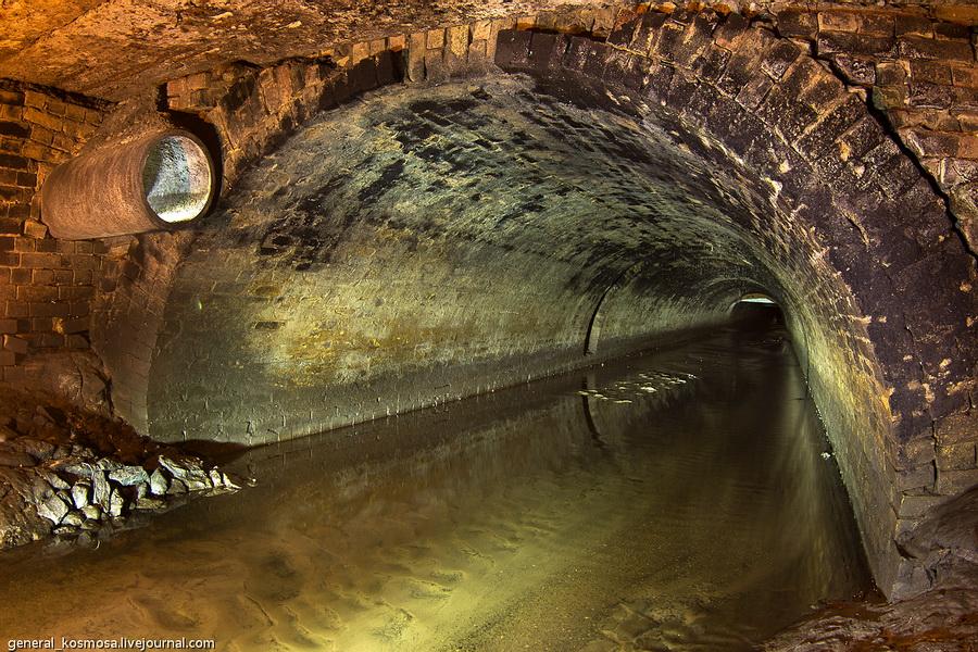 svodchatyj-tunnel-postrojki-konca-xix-veka Подземная река Глубочица.