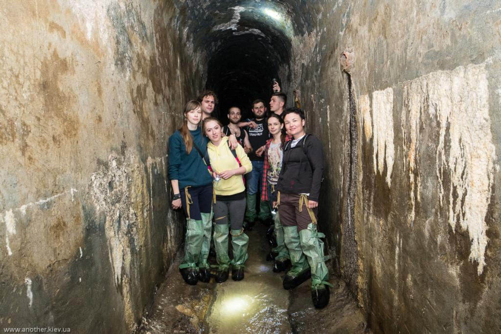 Каскадная галерея - высокий кирпичный туннель построенный еще в XIX веке