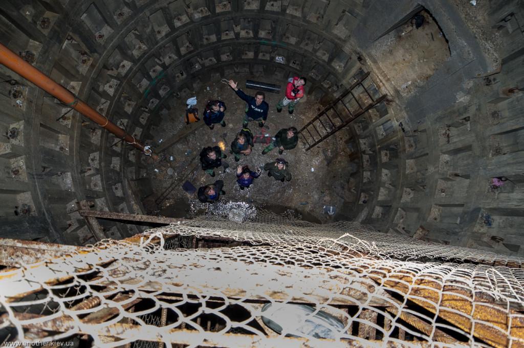 На дней 33х метровой шахты в штольне Аскольдова
