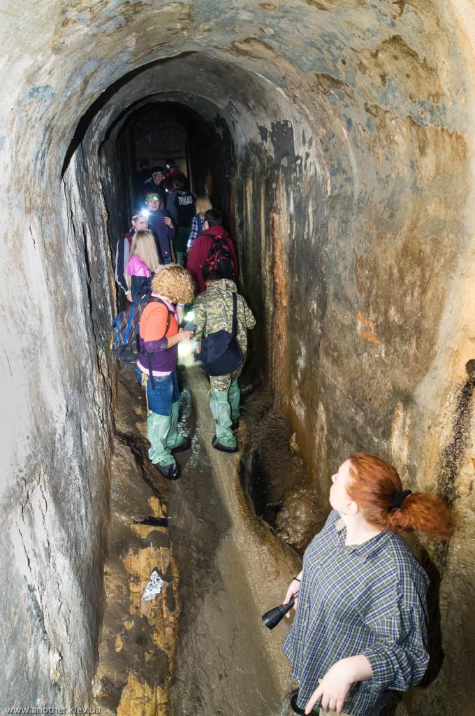 """Подходим к """"Царскому колодцу"""" чтобы посмотреть на подземный водопад"""