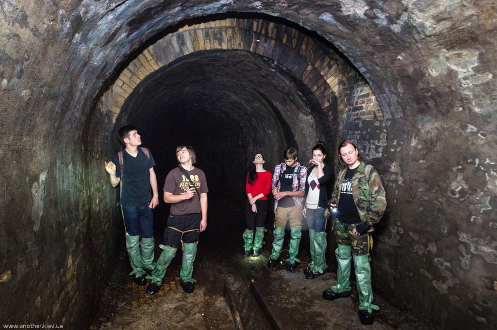 В старинном туннеле под Крещатиком, построенном во второй половине XIX века