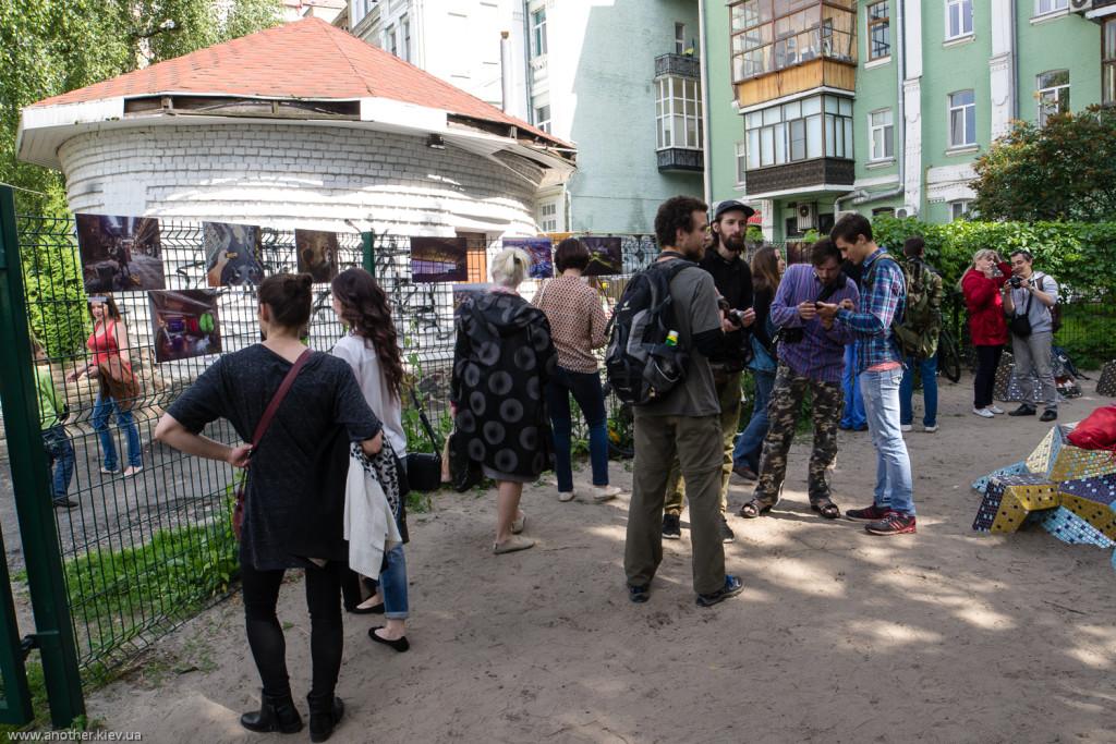 Вход на выставку киевских фотографов в стиле Urban Exploration