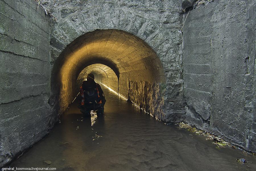 Вход в туннели подземной реки Кадетская роща.