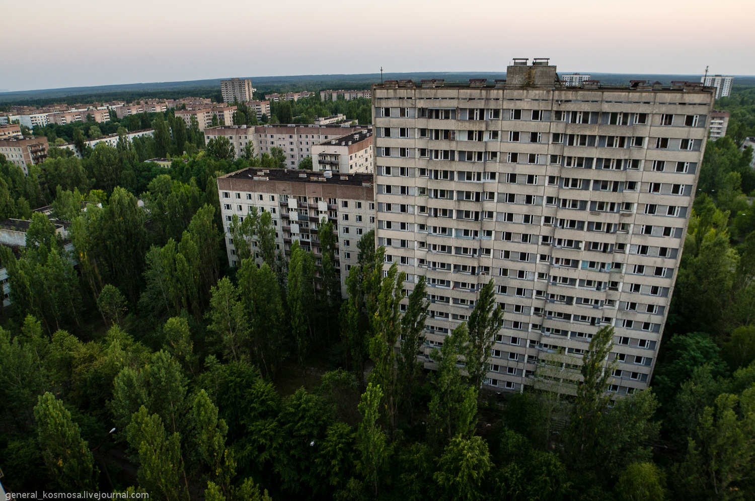 _igp1171 ILLEGAL TOURISM: CHERNOBYL ZONE BY STALKER'S EYES