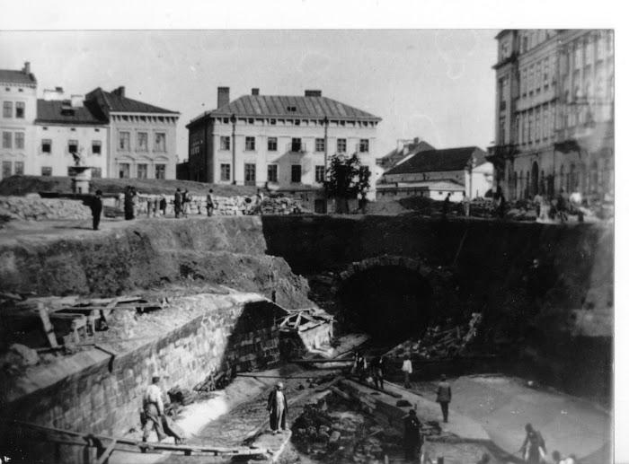 Строительство туннеля подземной реки Полтва