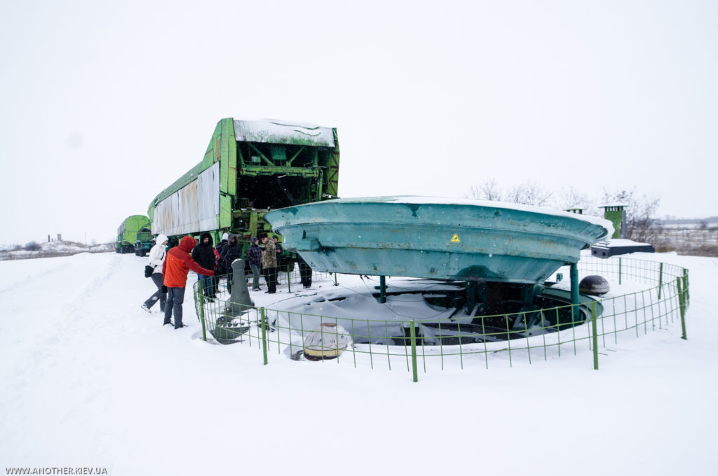 ekskursiya na raketnuyu bazu