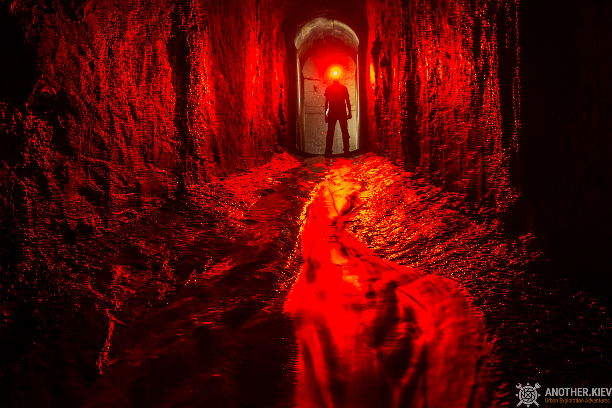 nikolskaya drain tunnel kiev red siluette